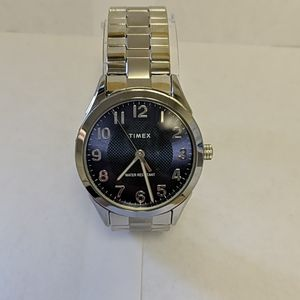 Men's Timex watch with stainless steel expansion